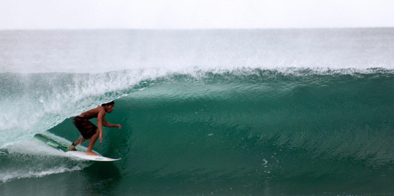 Surfer hawai histoire